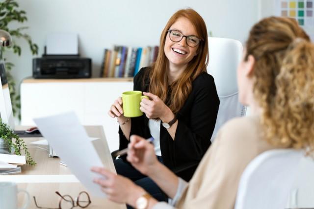 Лучше промолчать: темы, которые нельзя обсуждать на работе