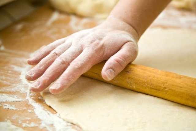 Как быстро разморозить тесто